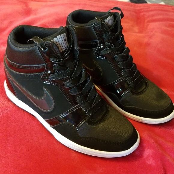 arrives c4627 0a8a1 High top wedges Nike Sneakers. M 5b8fede86a0bb7cf75bb5a51